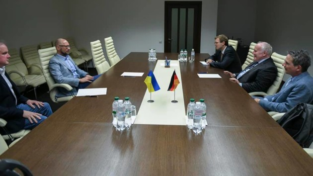 Яценюк: Любая попытка остановить реформу децентрализации приведет к значительному ущербу