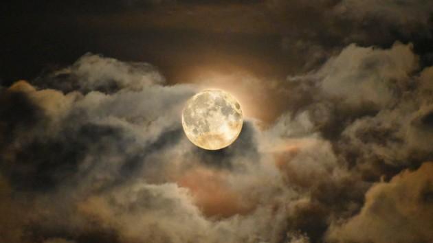Уникальная Урожайная Луна в пятницу 13: что категорически нельзя делать