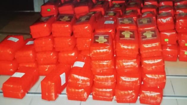 Везли полтонны сыра: на границе с Польшей пресекли крупную контрабанду