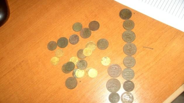 Россиянин пытался вывезти из Украины сотню старинных монет