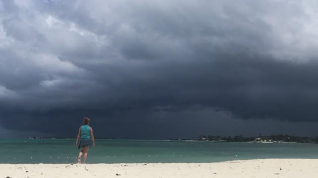 У побережья Багамских островов сформировался новый шторм