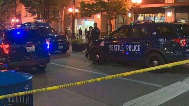 В результате стрельбы в метро Сиэтла один человек погиб, двое ранены