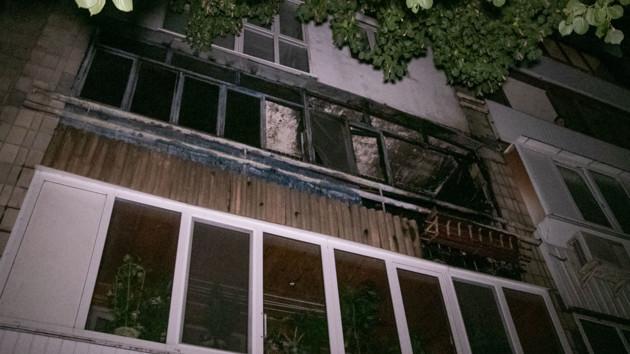 В Киеве во время пожара погибли мужчина и женщина (видео)