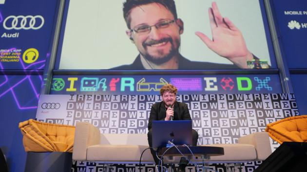 Адвокат Сноудена прокомментировал его желание покинуть Россию