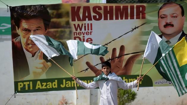 Хан: Между Пакистаном и Индией может произойти ядерная война
