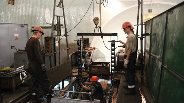 В метро Киева стартует ремонт эскалаторов на «Золотых Воротах»