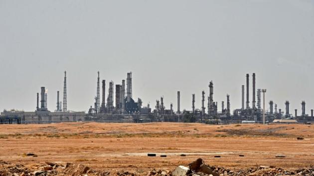 Стало известно, когда Саудовская Аравия планирует полностью восстановить добычу нефти