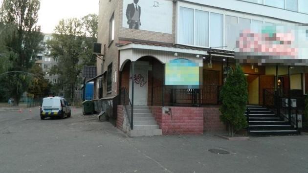 В Киеве задержали мужчину, тяжело ранившего посетителя кафе на Борщаговке