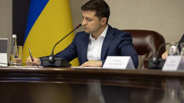 Антикоррупционному суду отдали топ-коррупционеров: Зеленский подписал закон