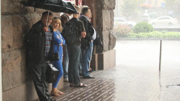 Свежо и с дождями: синоптики рассказали прогноз погоды в Киеве