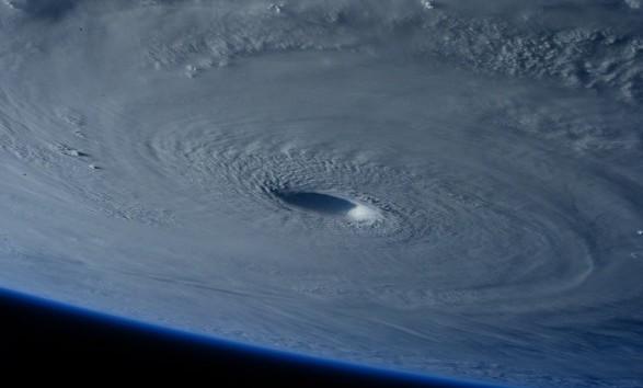"""На побережье Мексики обрушился ураган """"Лорена"""""""