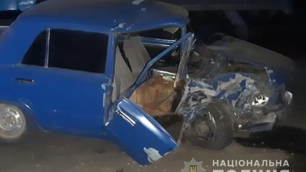 В Тернопольской области пьяный водитель врезался в грузовик: пострадала женщина с двумя детьми