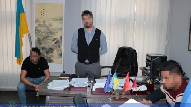 В Харькове на взятках погорел чиновник вуза: появилось видео