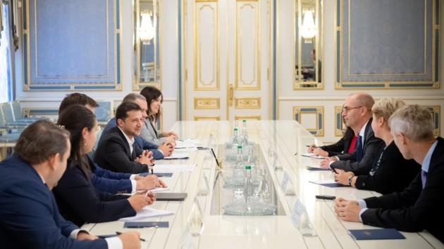 Зеленский обсудил с представителями МВФ сотрудничество и реформы