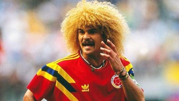 Мир никогда не будет прежним: легендарный игрок Колумбии избавился от прически, которой боялись соперники