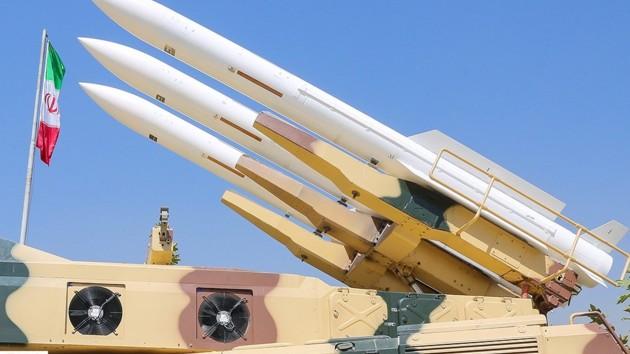 Иран представил баллистическую ракету с новой боеголовкой