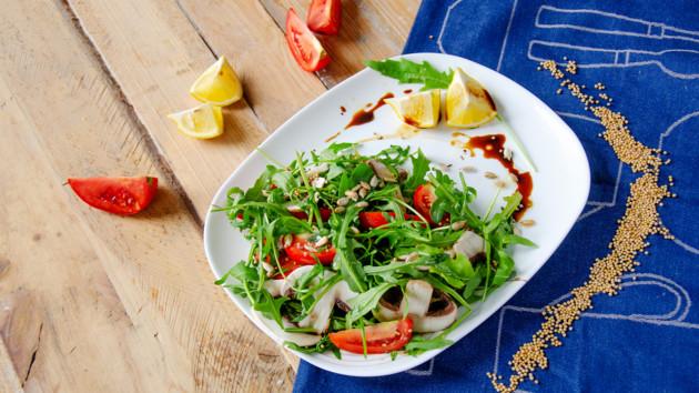 Как приготовить итальянский салат с грибами и помидорами черри