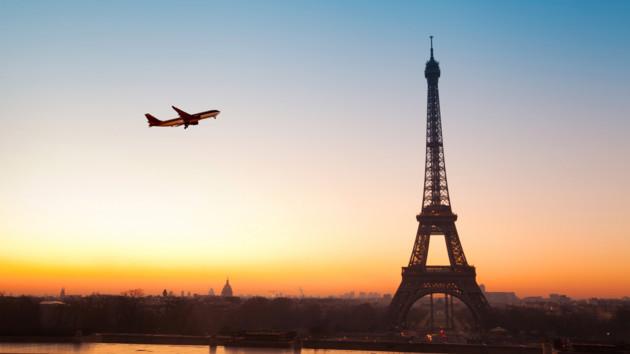 SkyUp будет летать в Париж: цены на авиабилеты от 52 евро