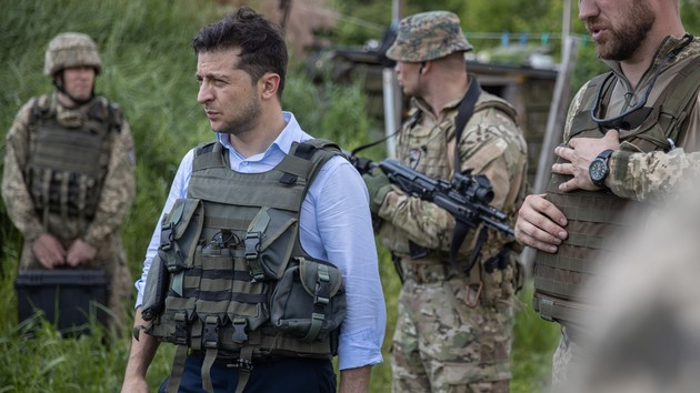 Зеленский назвал главное условие для отвода войск в Петровском и Золотом