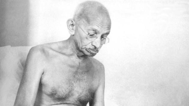 В скандале с прахом Ганди в Индии произошел неожиданный поворот
