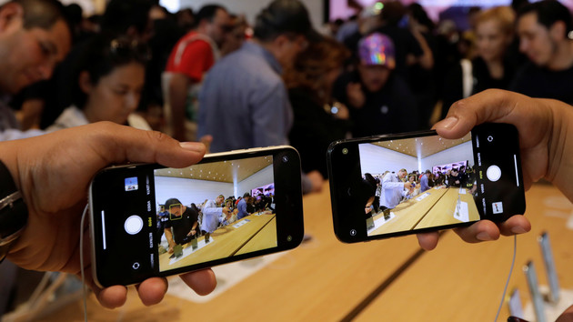 В Украине объявили цены на новые iPhone: сколько нужно работать, чтобы купить гаджет