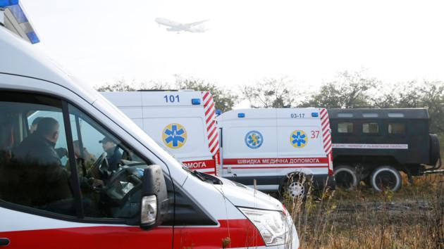 Стало известно о состоянии пострадавших в крушении самолета возле Львова: подробности