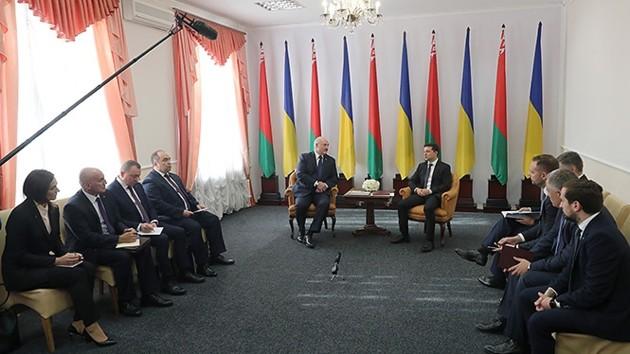 Лукашенко заявил, что Зеленский не нуждается в советах и умеет решать вопросы