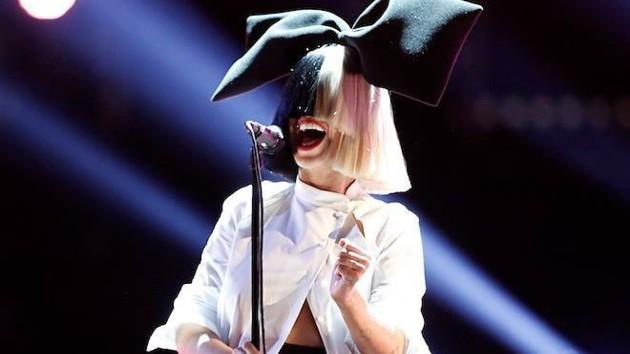 Известная певица сообщила о неизлечимой болезни