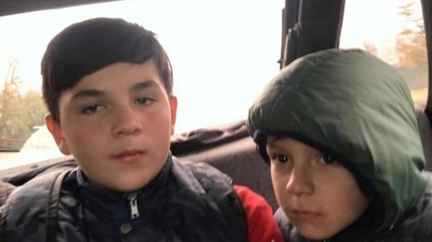 В Киеве нашли двух мальчиков, сбежавших из дома и всю ночь гулявших на Троещине