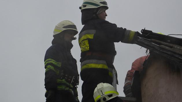 В Днепре в жилом доме вспыхнул масштабный пожар: появились фото и видео