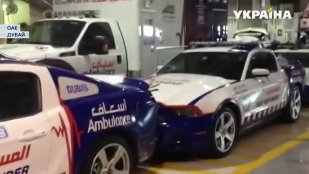 Парамедики в Арабских Эмиратах пересели на суперкары: видео