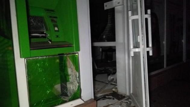 В Киеве взорвали банкомат, но не смогли смогли унести деньги