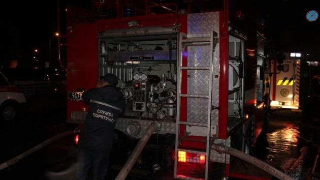 В Киеве в жилой высотке жгли покрышки: четыре человека отравились угарным газом