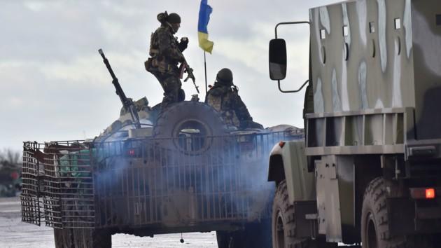 Отвод войск в Золотом откладывается: у Зеленского назвали причину