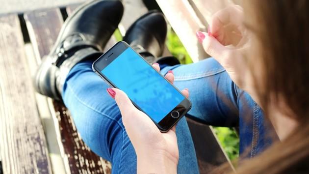 Девушку оштрафовали на 46 тысяч гривен из-за севшего телефона