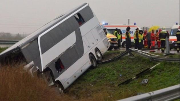 Автобус с украинцами попал в ДТП в Румынии. Фото: realitatea.net