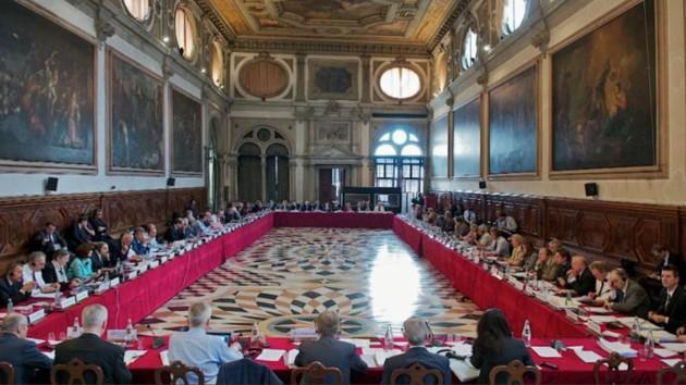 Коронавирус атакует Европу: Венецианская комиссия отменила заседание