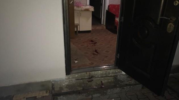 Взрыв произошел во дворе дома
