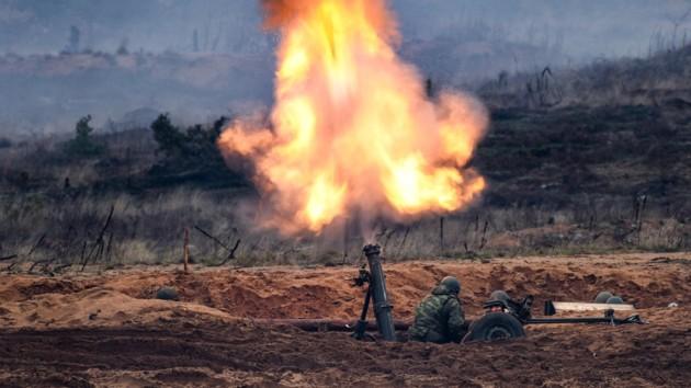 На Донбассе с самого утра позиции ВСУ накрыли минометным огнем