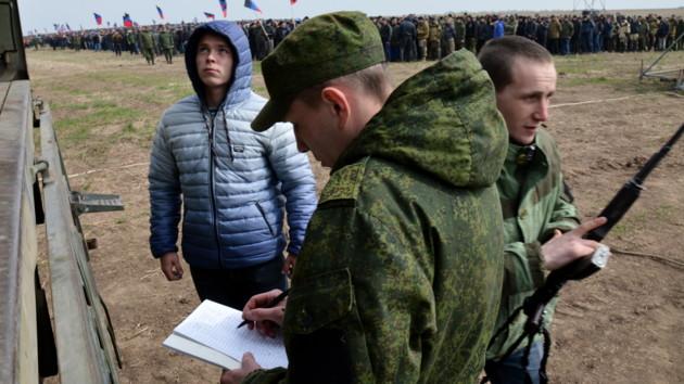 Боевики на Донбассе организовывают военные сборы