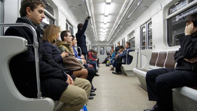 Ілюзія з обручем в метро поставила в глухий кут користувачів Twitter