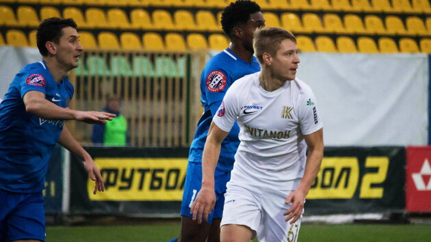 Первый пошел: украинский футбольный клуб существенно сократил зарплаты игрокам