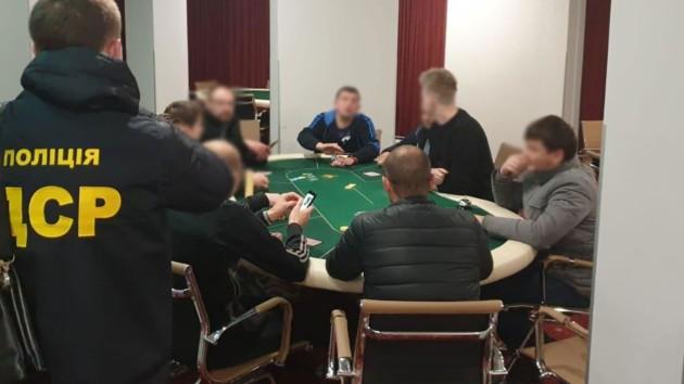 Після облав казино вигадали нову хитрість і продовжили роботу, фото-1