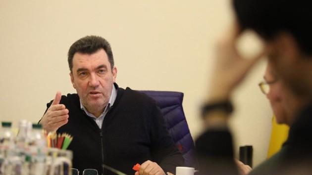 """""""Произошла утечка"""": Данилов рассказал, откуда взялся коронавирус"""