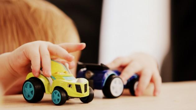 Чим небезпечні дитячі іграшки: як розпізнати підробку і не нашкодити дитині, фото-1