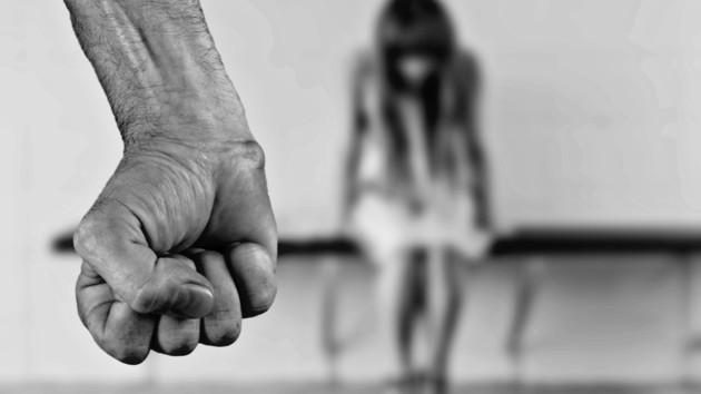 Чоловіка підозрюють у зґвалтуванні дітей