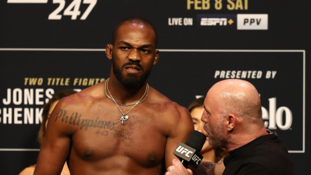 """""""Сегодня меня оскорбили"""": чемпион UFC обвинил в расизме... испанский язык"""