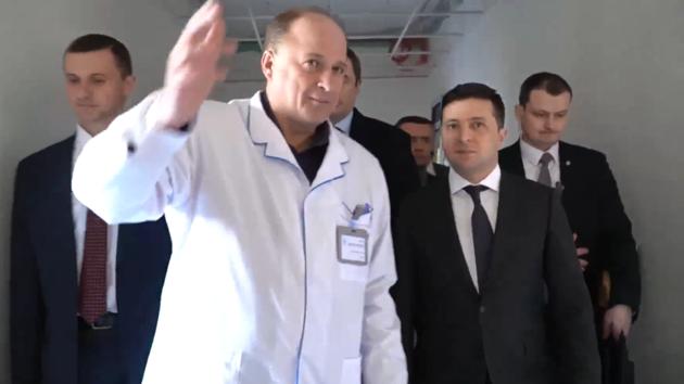 Жительница Донбасса: «Зеленский, ты предатель!»