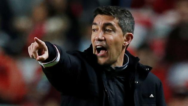 Европейский гранд уволил главного тренера после нападения ультрас на футболистов