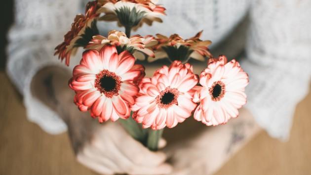 Лучшие поздравления с первым днем весны в прозе и стихах